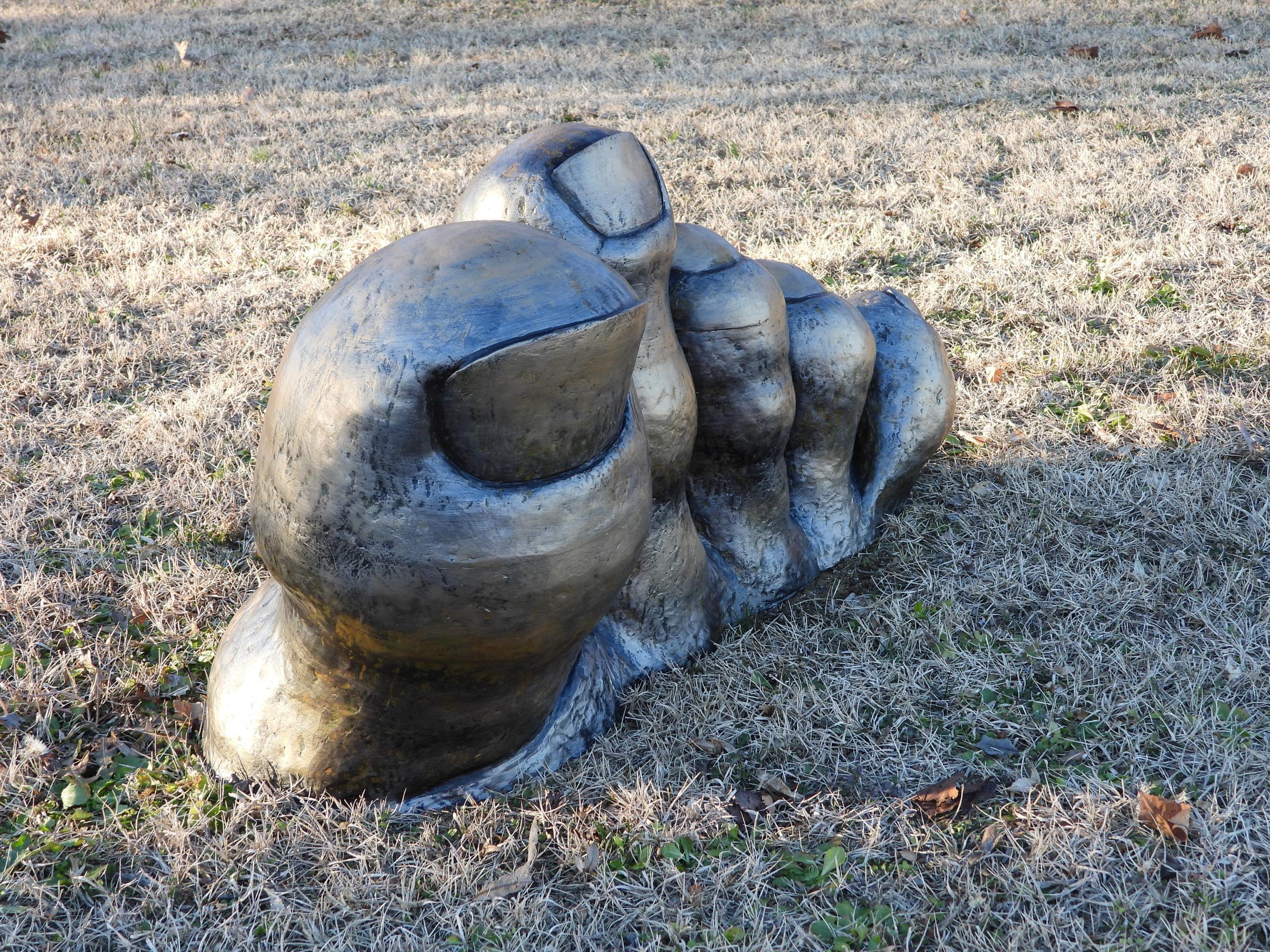 il piede..dal gigante della collina